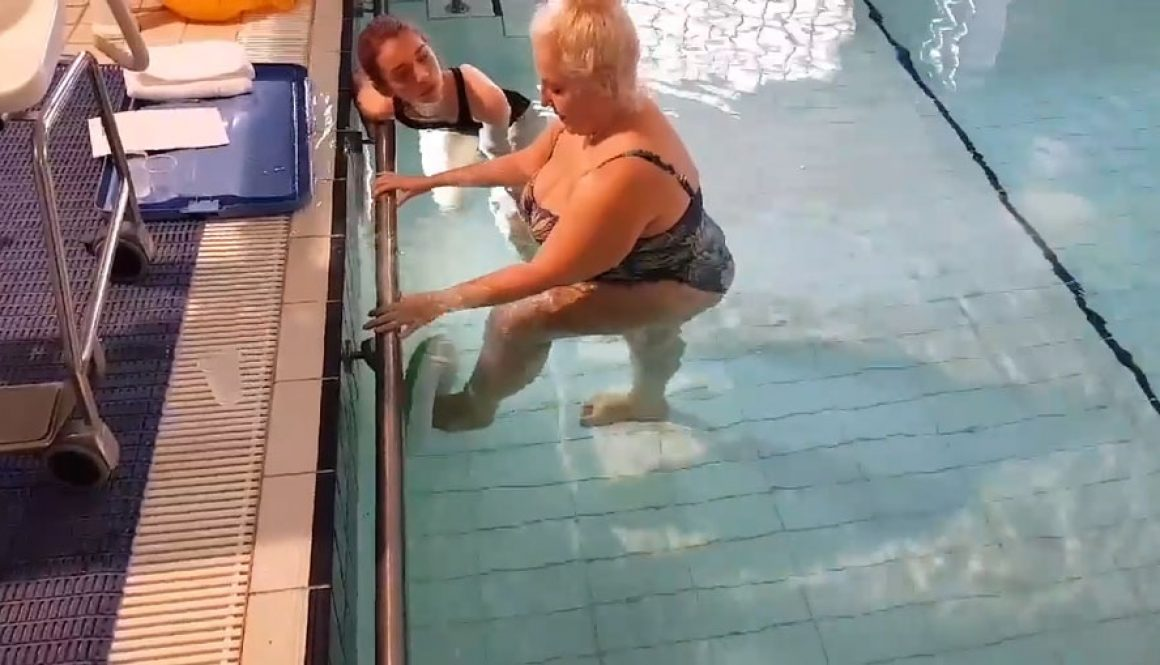 Lydia-in-pool